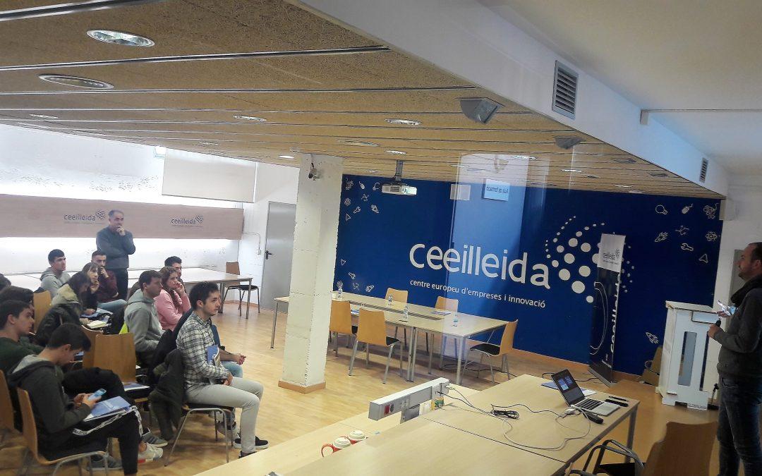 Una trentena d'estudiants d'Administració i Direcció d'Empreses de laUdLvisita elCEEILleida