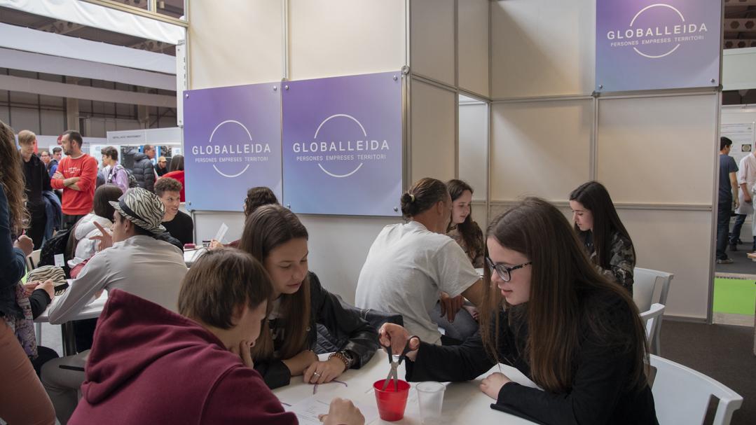 """Xavier Pirla atrau l'atenció dels joves amb la conferència """"Els secrets de l'èxit professional"""""""