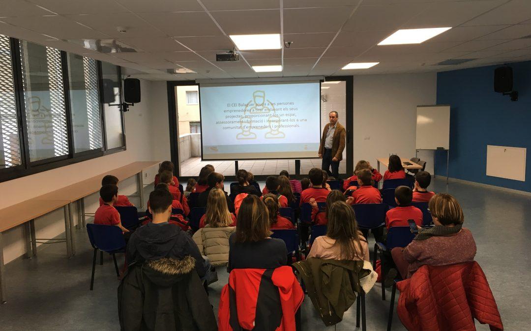 Alumnes de l'escola Salvador Espriu de Vallfogona visiten el CEI Balaguer