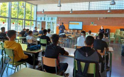 El CEEILleida ofereix sessions sobre com crear una empresa als estudiants de cicles formatius de l'IES Caparrella