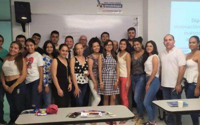 El tècnic del CEEI Salvador Pifarré explica els nous models empresarials a la Universitat d'Ibagué, a Colòmbia