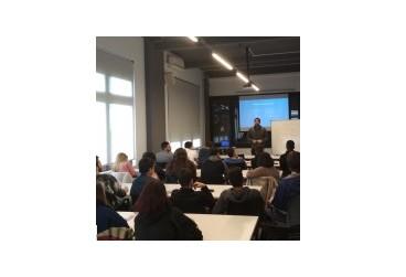 Alumnes de l'IES Alfons Costafreda visita el viver d'empreses CEITÀRREGA de Cal Trepat